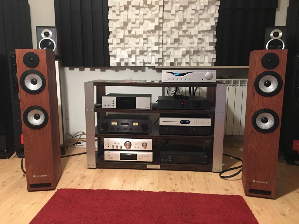 Diffusori Pylon Audio Ruby 25